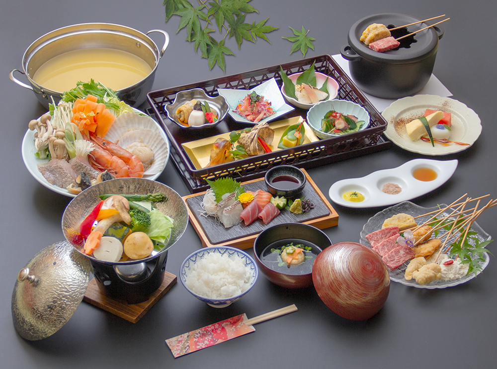 海鮮鍋会席(写真の海鮮鍋と串揚げの料理は2人前の量です。)